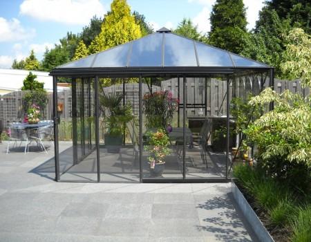 Pyramide – glazen tuinhuis