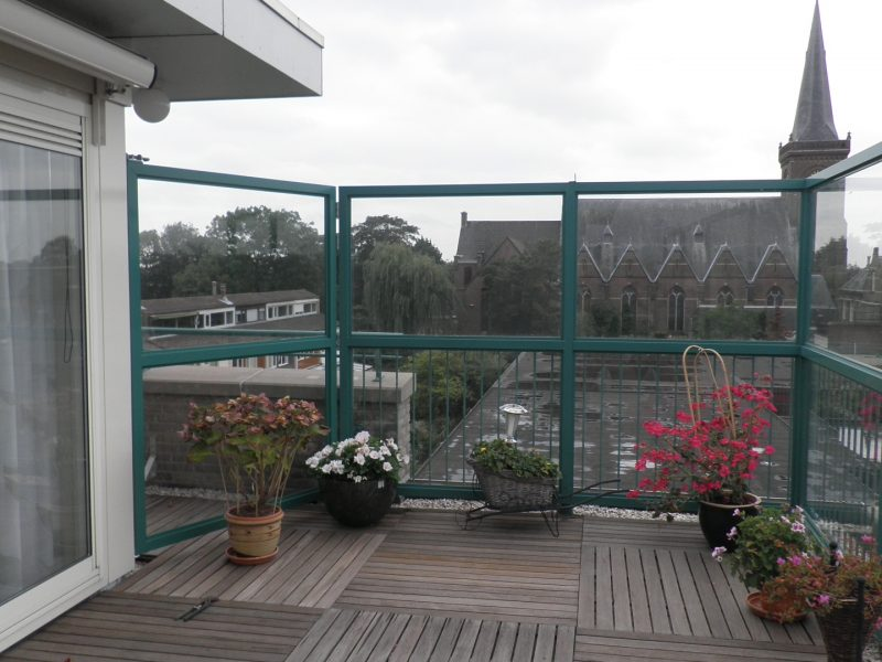 Batist terrasscherm op etage